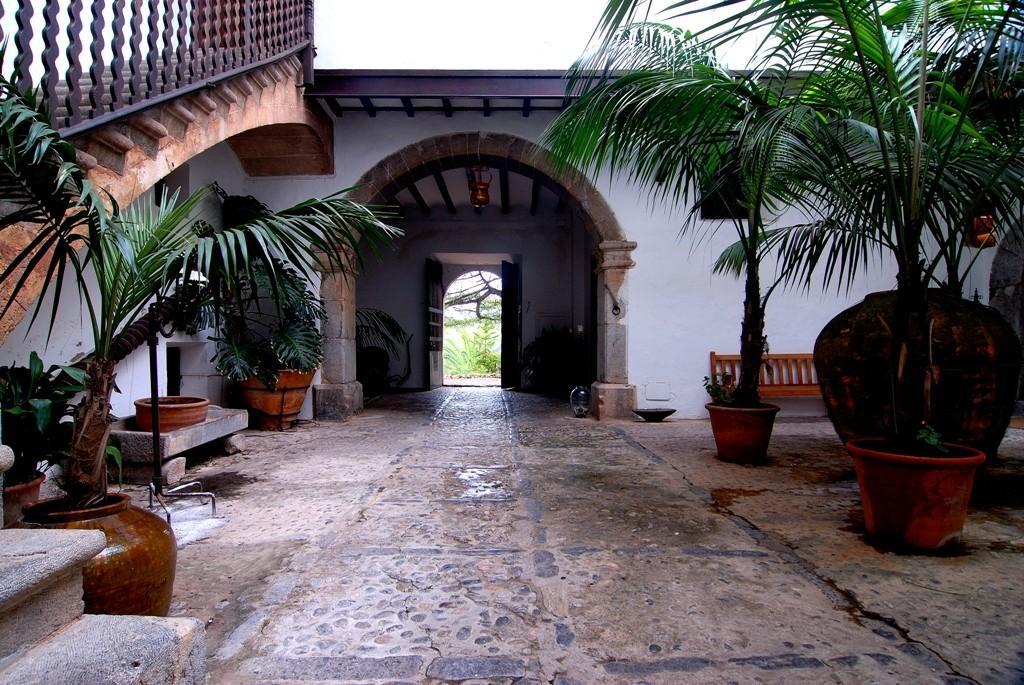 Was Ist Ein Patio : die innenh fe patios palmas ein beispiel aus der bl tezeit des mittelalterlichen palmas ~ Frokenaadalensverden.com Haus und Dekorationen