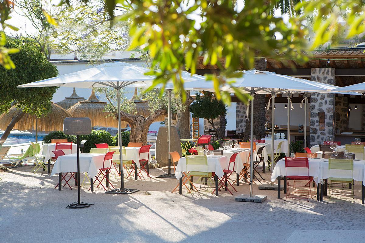 Exterior tables | Sa Figuera Restaurant Soller